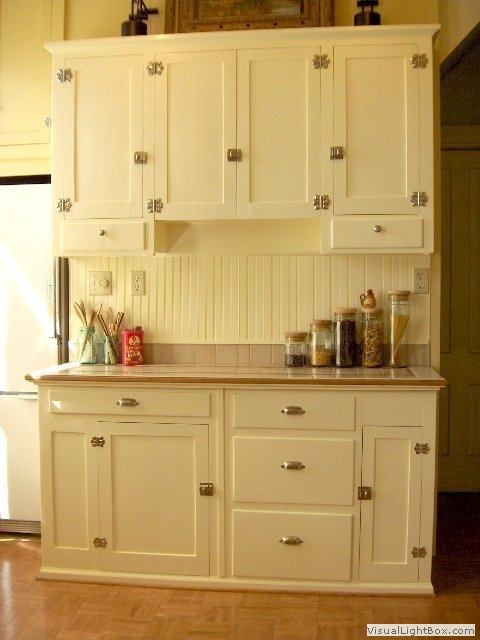 Muzzy mansion virtual tour generated by for Old fashioned white kitchen cabinets